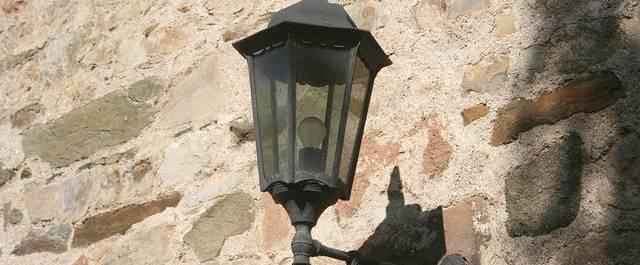空き巣が嫌がる音と光の対策!たったこれだけで効果あり